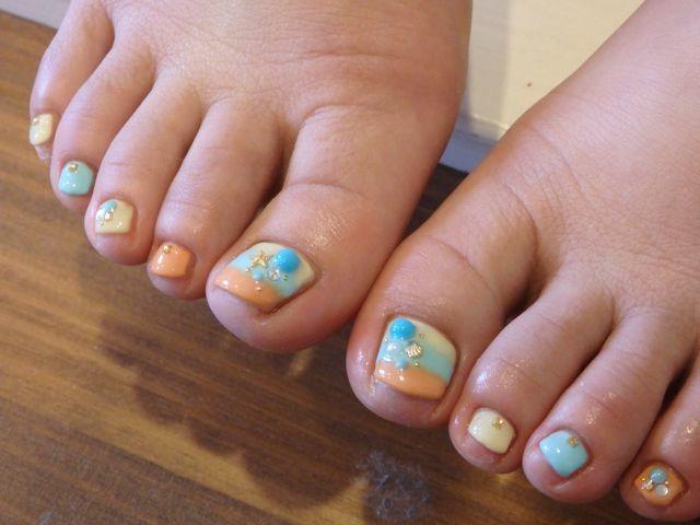 Summer Foot Nail_a0239065_13551003.jpg