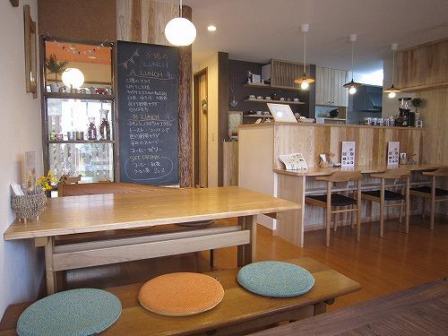 ギャラリーカフェ 茶居 chai & 桜 @あきる野_b0157216_18421712.jpg