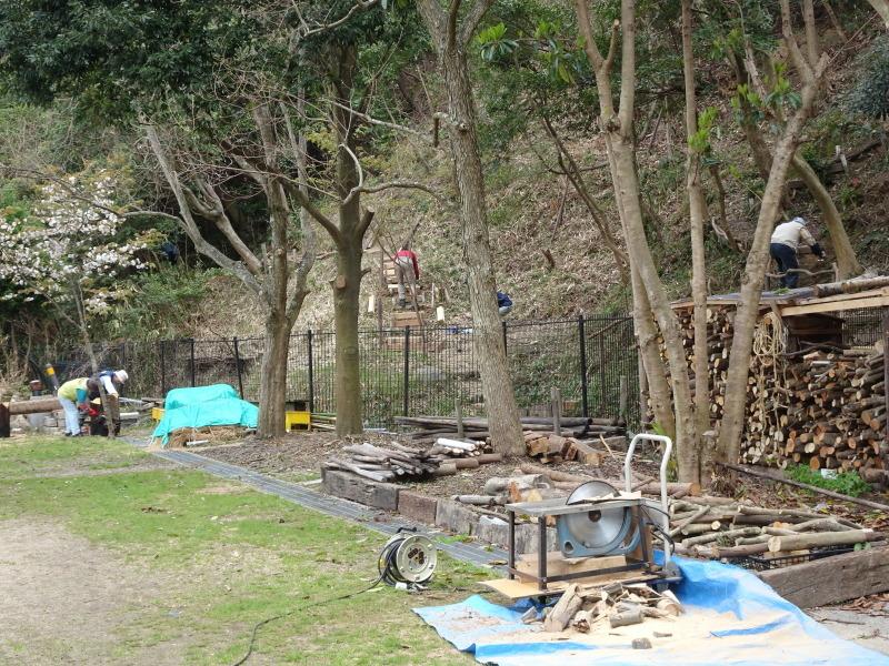 ササユリの道に手すりを取り付けました in うみべの森_c0108460_22105277.jpg
