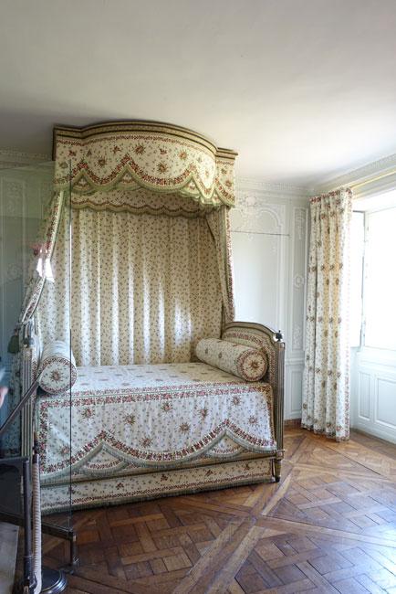 ベルサイユ宮殿がホテルに!_b0164803_15561547.jpg