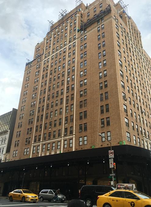 1923年の創業の地に帰ってきたバーニーズ・ニューヨーク Barneys New York, Downtown_b0007805_12491575.jpg