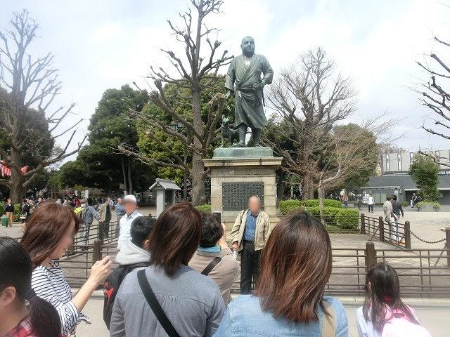 上野公園、北の丸公園、靖国神社  東京はどこも桜が満開なのに_f0141310_7584060.jpg