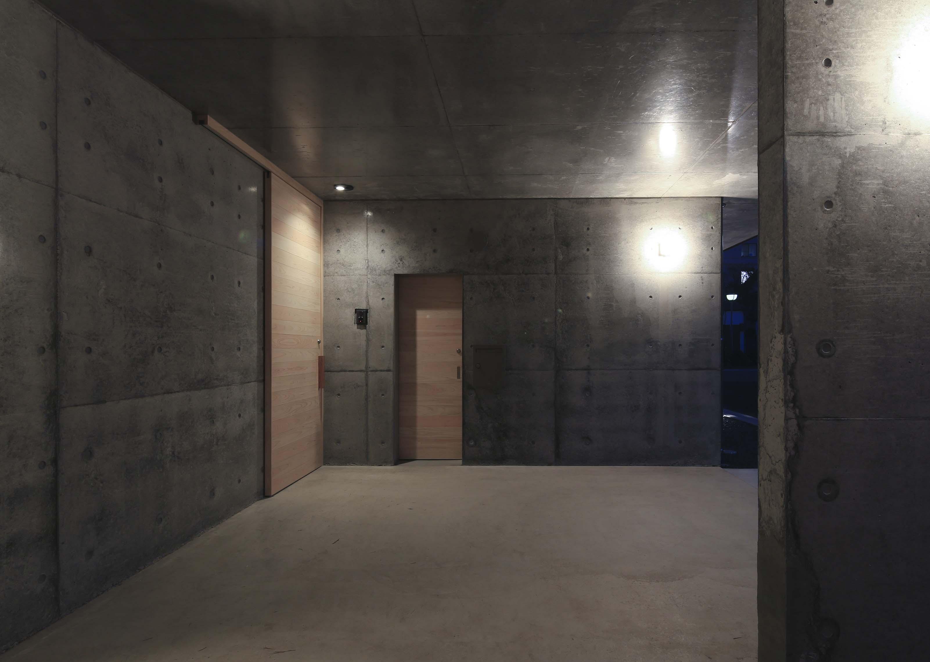キャンティレバーの家8 外観写真撮影_e0028417_8121652.jpg