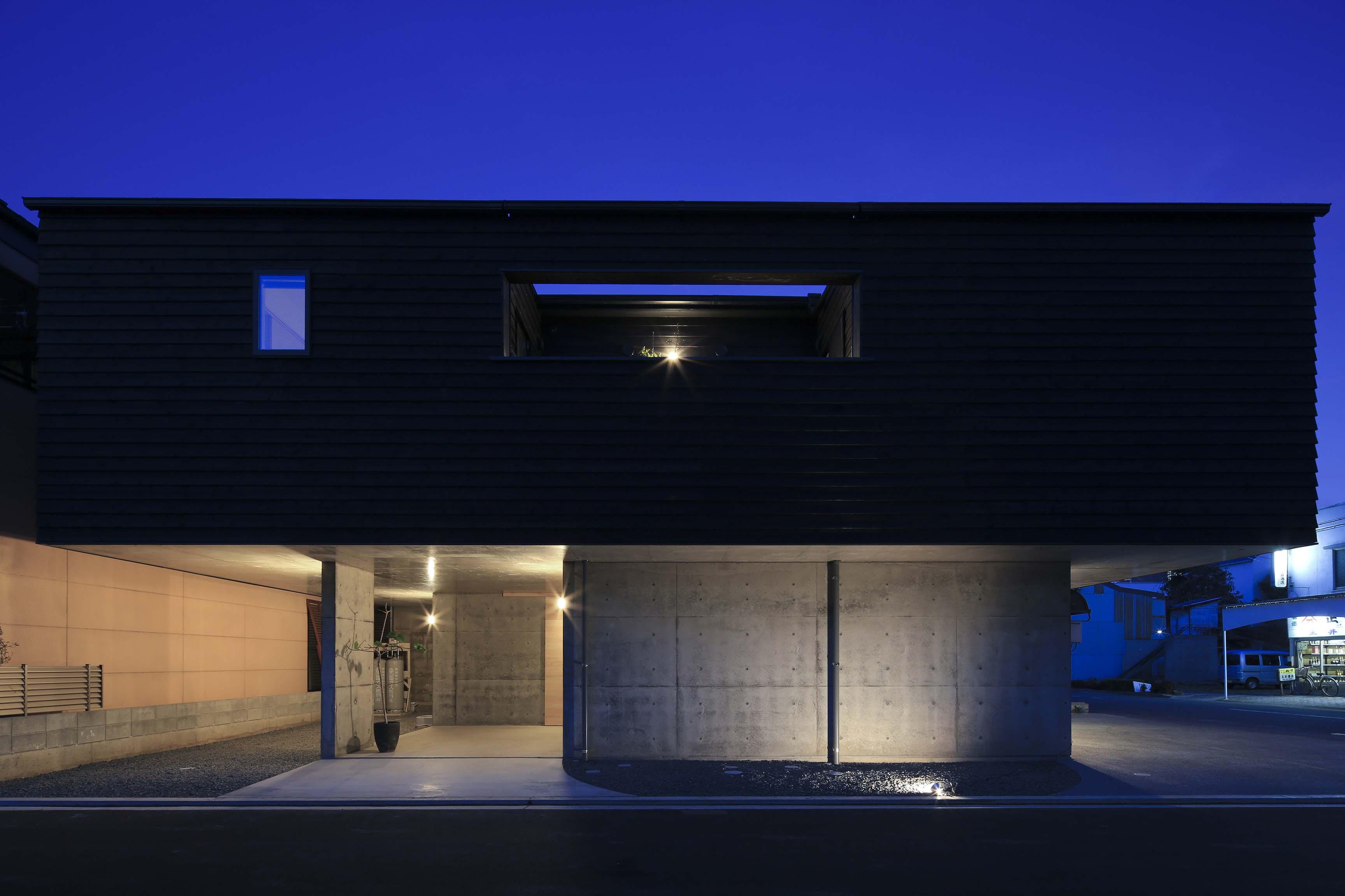 キャンティレバーの家8 外観写真撮影_e0028417_8123363.jpg