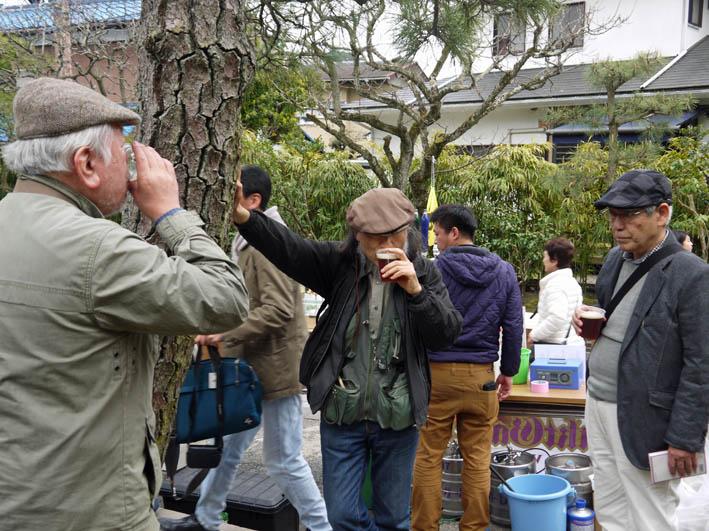 雨にたたられ北鎌倉匠の市は4月2日のみ開催_c0014967_11484356.jpg