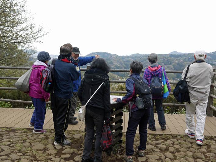 花冷えの中、六国見山のシンボルツリー『夫婦桜』探訪4・2_c0014967_12221251.jpg