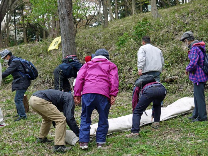 花冷えの中、六国見山のシンボルツリー『夫婦桜』探訪4・2_c0014967_12254188.jpg