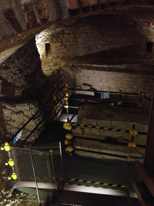 ヴェッキオ宮殿の地下へ行ってみよう_a0136671_23391933.jpg