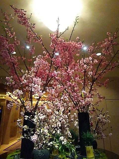 桜咲く ザ・リッツ・カールトン東京 ひのきざかで ミニマリアのお祝いです。。。.♡*† *・。・。+ _a0053662_16495730.jpg