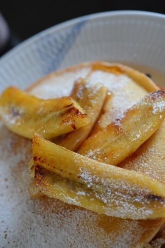 Soymilk pancakes w.Caramelized Bananas_c0352090_12254495.jpg