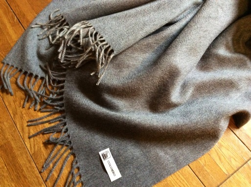 Iuxuryな毛布…CLOMBOのカシミア_b0210699_01013352.jpg