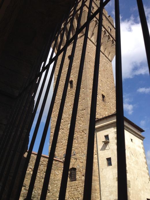 ヴェッキオ宮殿のアルノルフォの塔に上る(前編)_a0136671_044638.jpg