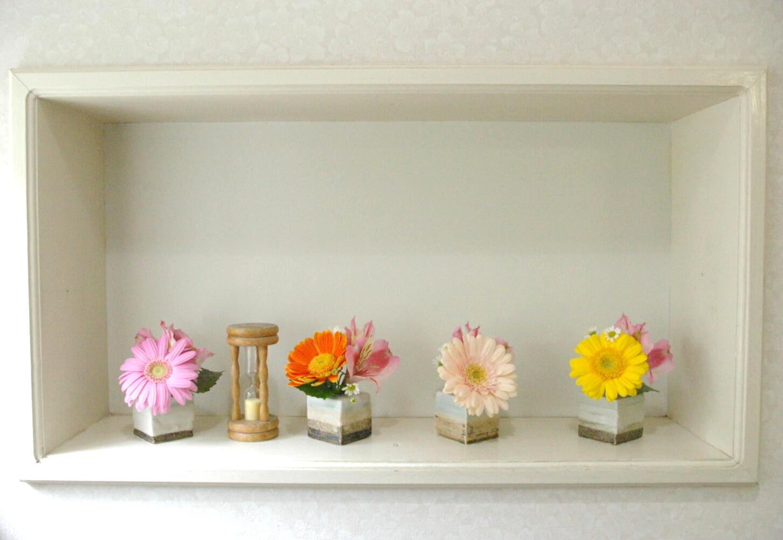 今週のトイレの花。_d0179763_1616117.jpg