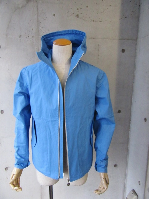 お陰様で各色・残り1枚づつ。。。Gloverall HOODED ZIP PARKA JACKET (UK Limited MODEL)_d0152280_1141616.jpg