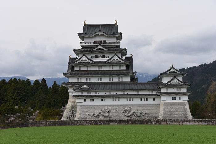 石垣にドラゴン!日本一の高さを誇る天守閣を持つ福井・勝山城_e0171573_21111612.jpg