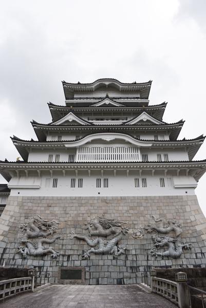 石垣にドラゴン!日本一の高さを誇る天守閣を持つ福井・勝山城_e0171573_21113920.jpg