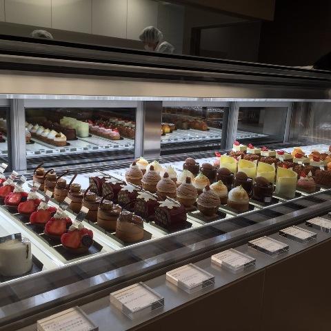 東京ラグジュアリーでご紹介「アン グラン」の小さなケーキでティータイム♪_a0138976_17144675.jpg