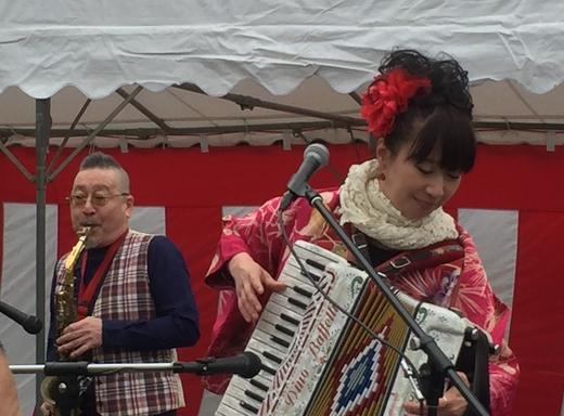 福富町の桜祭りステージ_a0163788_9432117.jpg
