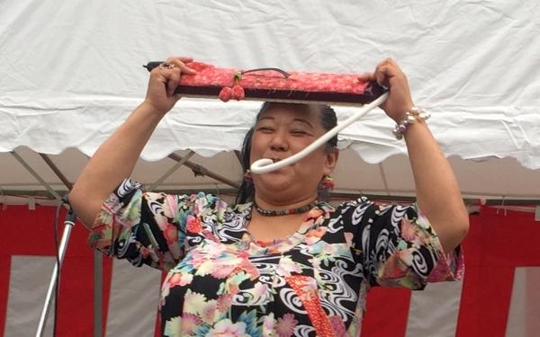 福富町の桜祭りステージ_a0163788_944281.jpg