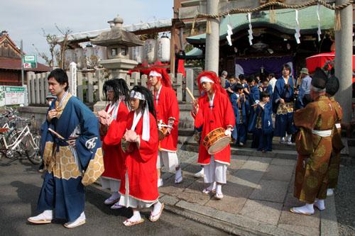 玄武神社 やすらい祭_e0048413_21543464.jpg