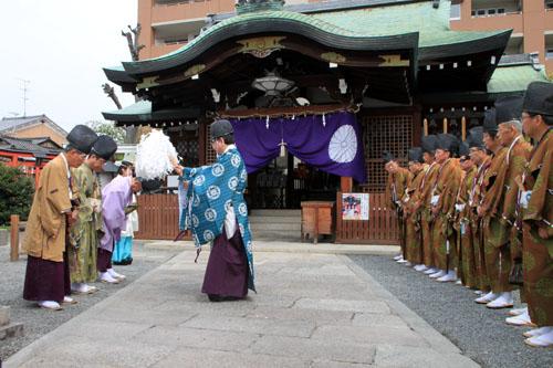 玄武神社 やすらい祭_e0048413_2154583.jpg