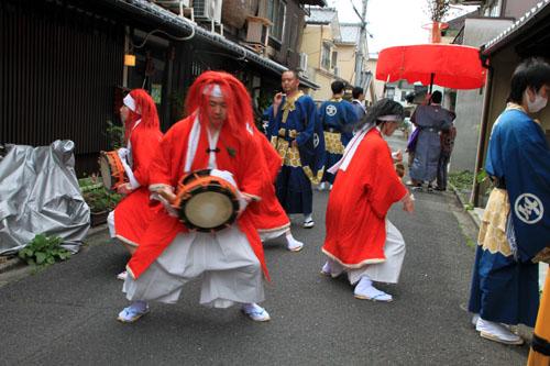 玄武神社 やすらい祭_e0048413_2155381.jpg