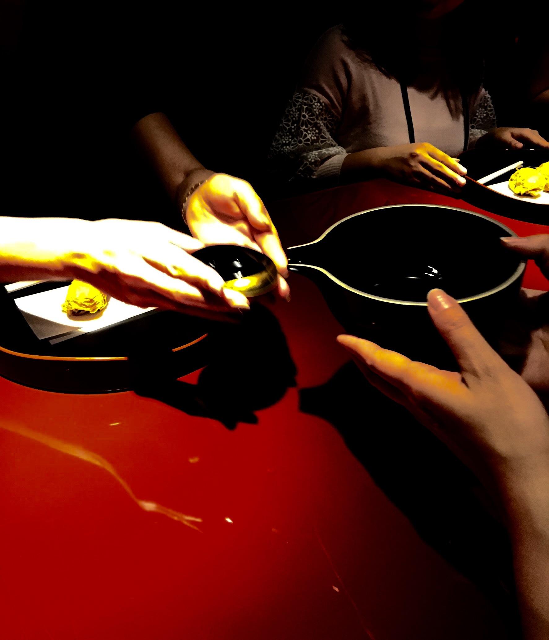 赤と黒と光の茶会_d0334837_10011549.jpeg