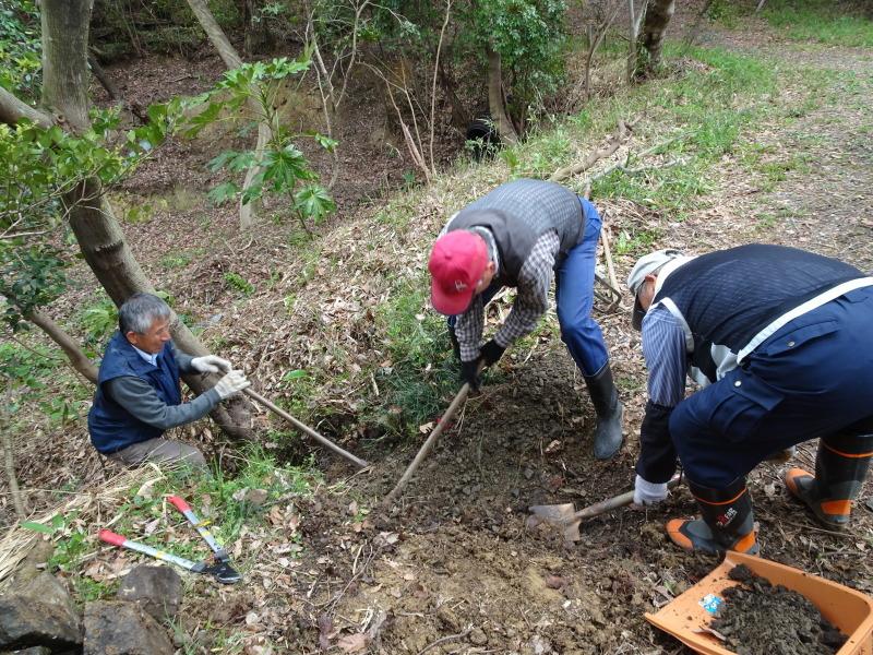 土木工事もできました in うみべの森_c0108460_22041572.jpg