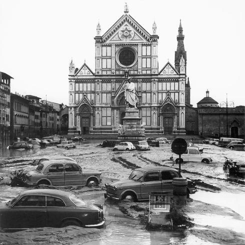 50年前のフィレンツェの惨劇を忘れない_a0136671_2404261.jpg