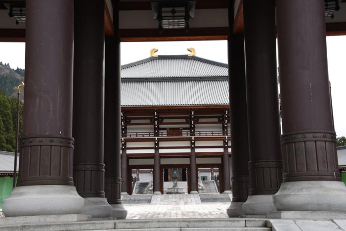 奈良の大仏よりでかい!高さ52mの大仏展やエレベーター付五重塔も魅力!でも客皆無!福井勝山の越前大仏_e0171573_21115351.jpg