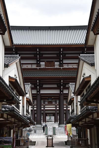 奈良の大仏よりでかい!高さ52mの大仏展やエレベーター付五重塔も魅力!でも客皆無!福井勝山の越前大仏_e0171573_21115730.jpg