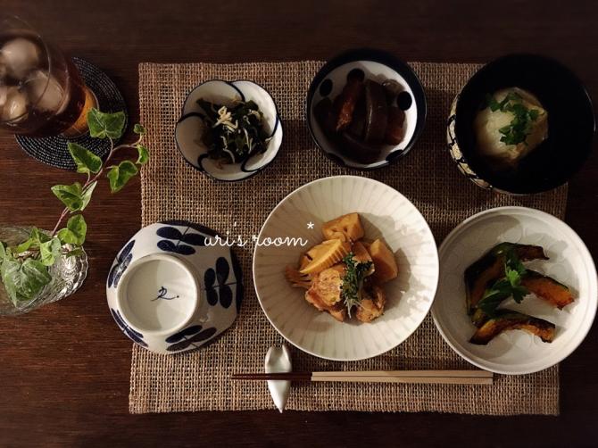 なにかと便利なミニテーブル!と、美味しい新玉ねぎ!_a0341288_18025473.jpg