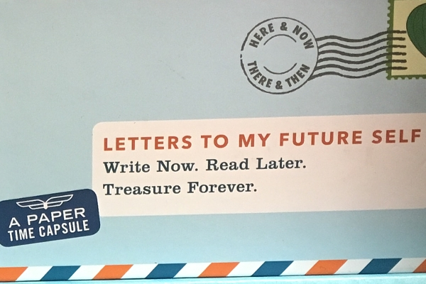 NYの書店で見かけた粋な文具「紙のタイムカプセル」 A Paper Time Capsule_b0007805_2264571.jpg