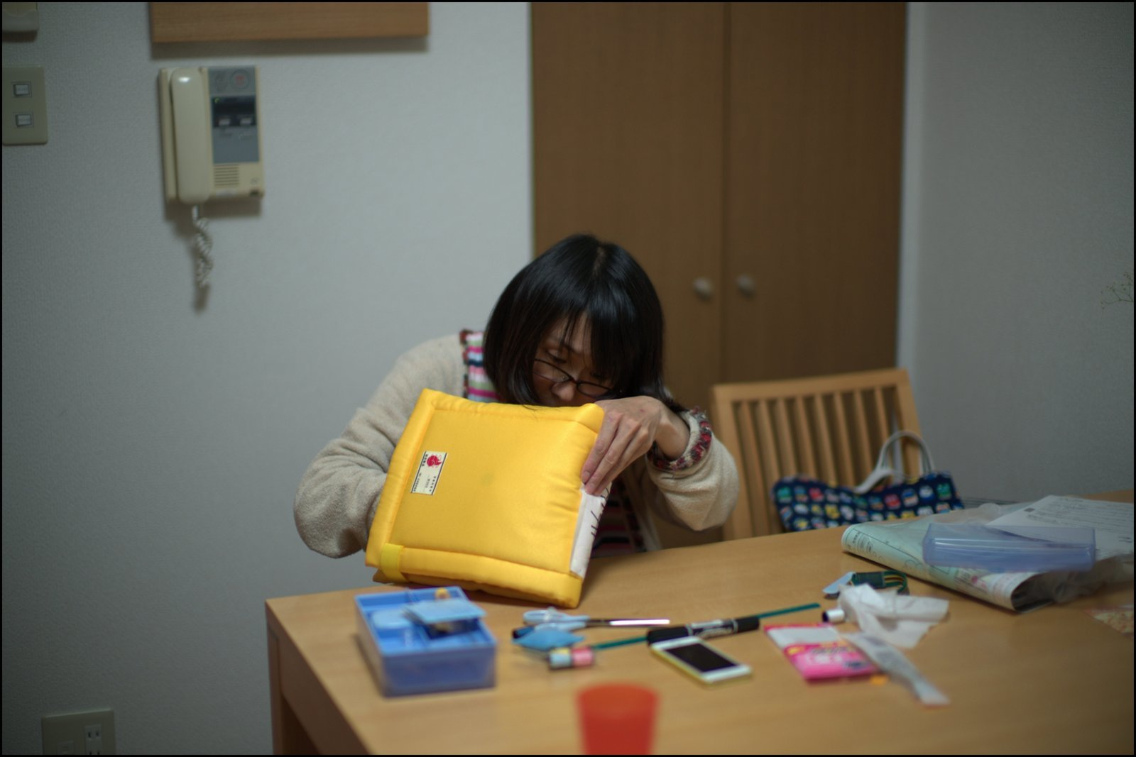 scene1366:母さんの夜なべ_e0253132_23224381.jpg