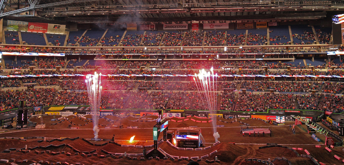 2016 Monster Energy Supercross Indianapolice その2_d0091546_2475596.jpg