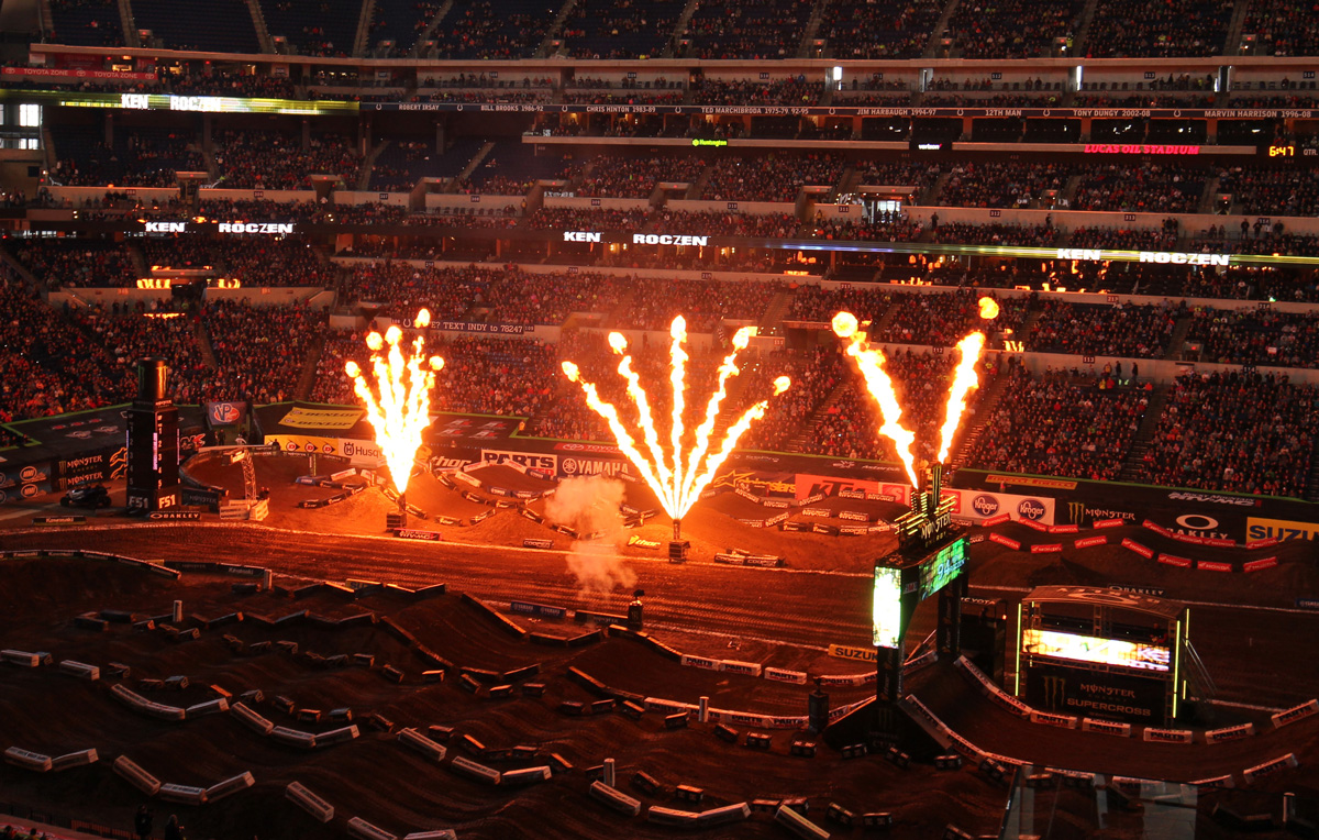 2016 Monster Energy Supercross Indianapolice その2_d0091546_2481351.jpg