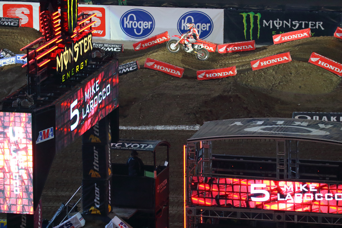 2016 Monster Energy Supercross Indianapolice その2_d0091546_2493747.jpg