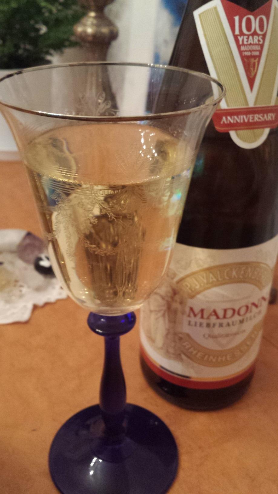 ドイツの甘い聖母の白ワイン LIEBFRAUMILCH MADONNA ★★★★★_f0186787_0132622.jpg