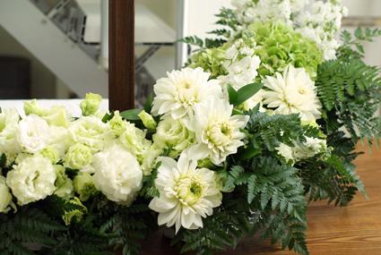 生花の偲ぶアレンジメント_d0167088_1711836.jpg