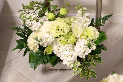 生花の偲ぶアレンジメント_d0167088_17415657.jpg