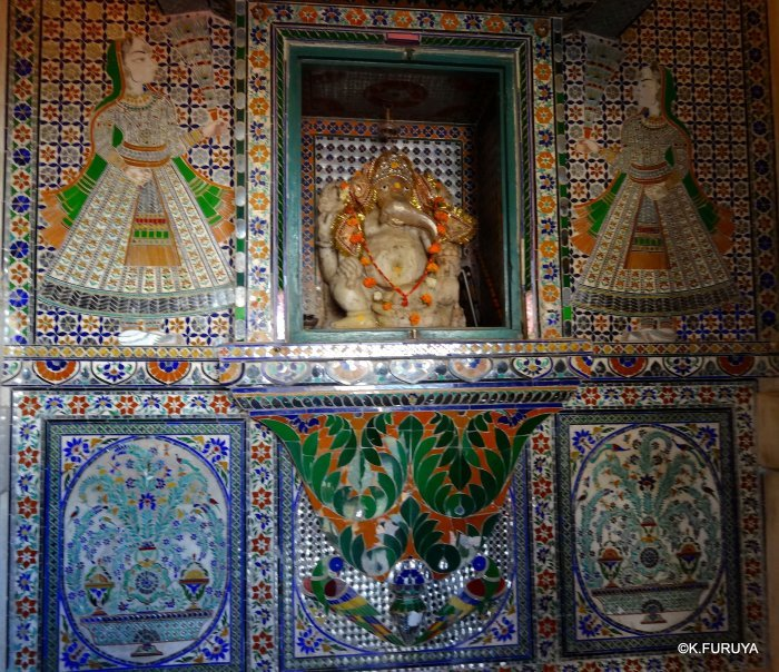 """インド・ラジャスタンの旅 13 ウダイプール """"シティパレス"""" その1_a0092659_20471742.jpg"""