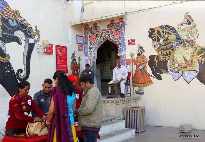 """インド・ラジャスタンの旅 13 ウダイプール """"シティパレス"""" その1_a0092659_22025025.jpg"""