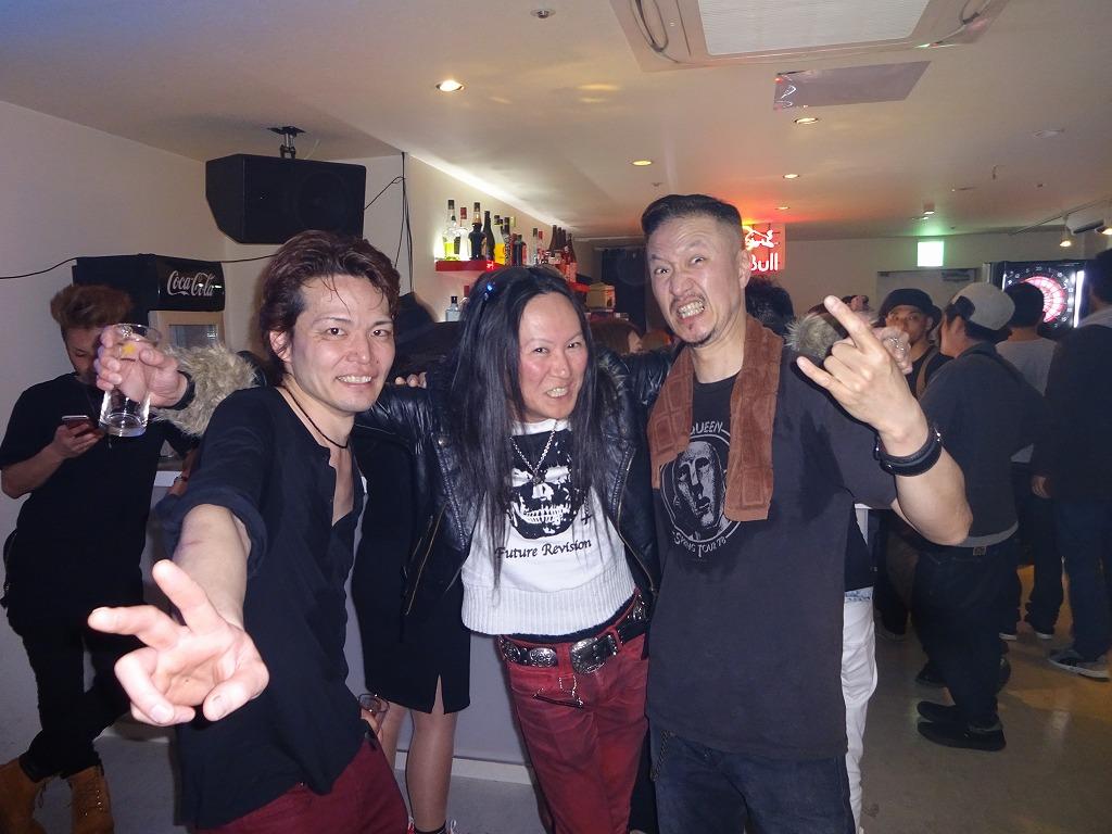 Drカネコ君が叩いているunrealtribeを観に歌舞伎町へ_d0061678_956633.jpg