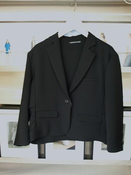 カーディガン感覚で着れるけどきちんとしているuemulo munenoliジャケットとパンツのセットアップスーツ_e0122680_15572218.jpg