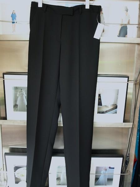 カーディガン感覚で着れるけどきちんとしているuemulo munenoliジャケットとパンツのセットアップスーツ_e0122680_15575549.jpg