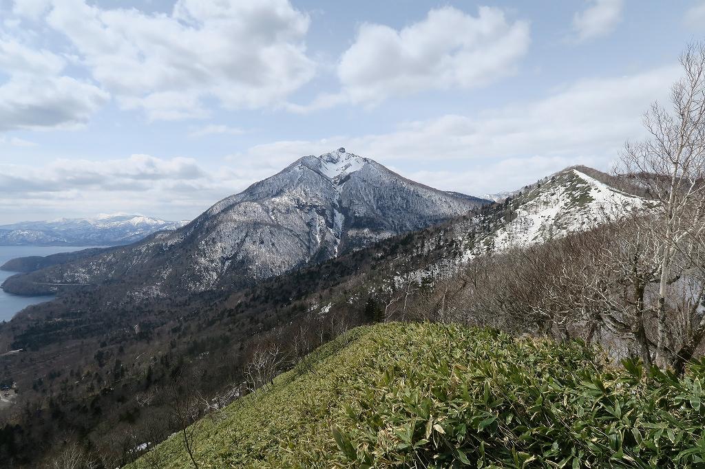 イチャンコッペ山と幌平山、4月12日_f0138096_17253983.jpg
