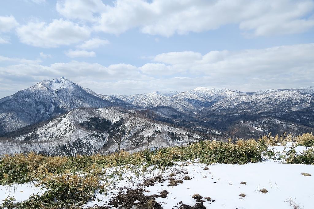 イチャンコッペ山と幌平山、4月12日_f0138096_17255536.jpg