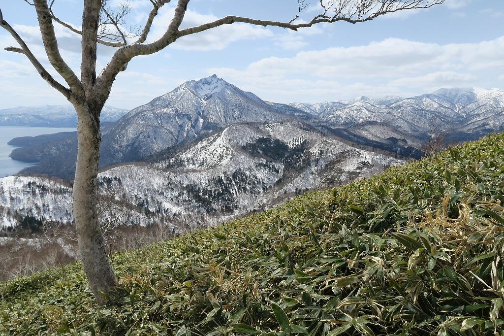 イチャンコッペ山と幌平山、4月12日_f0138096_1727154.jpg