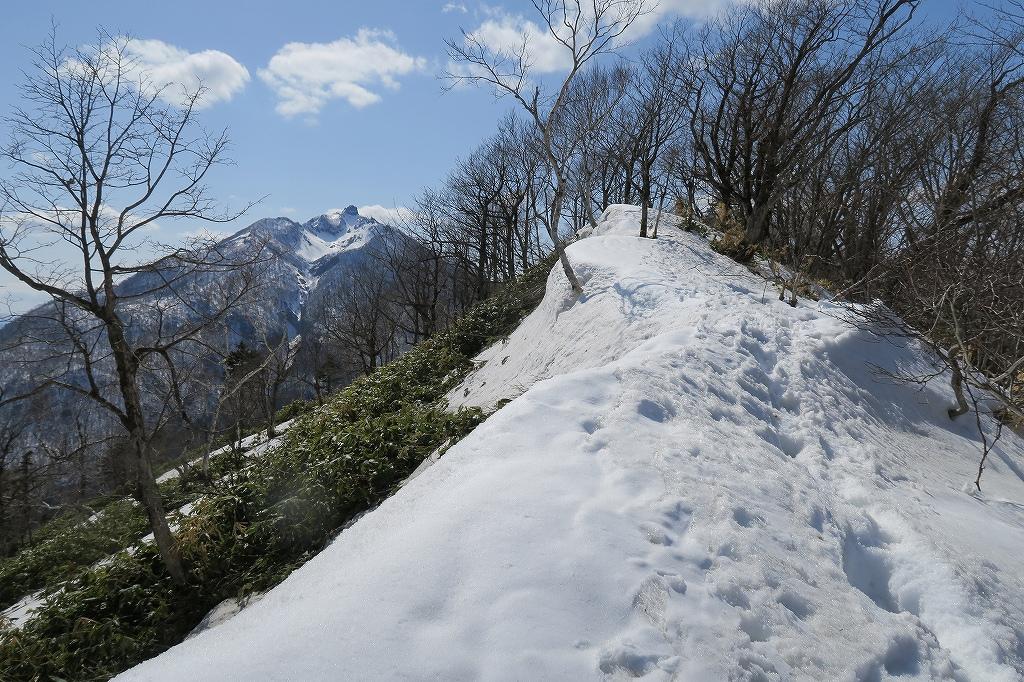 イチャンコッペ山と幌平山、4月12日_f0138096_1727848.jpg