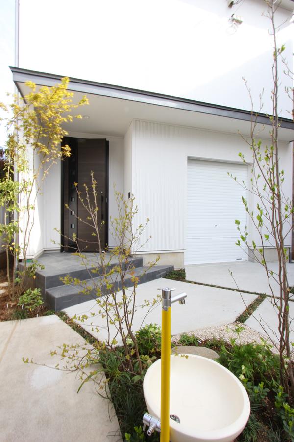 2つの家族をつなぐ庭 上福岡の家*お庭工事_d0080906_1516111.jpg